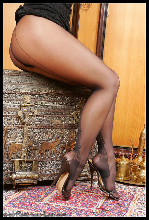 Hot blonde milf pics