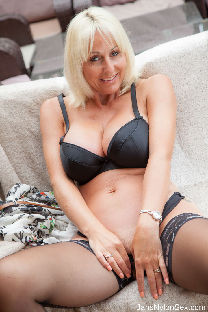 Mature married whore
