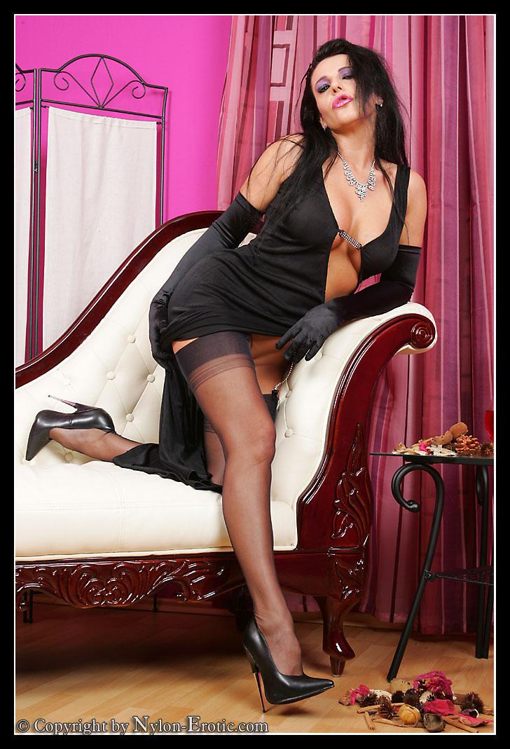 Xxx gallerie mature woman open jpg