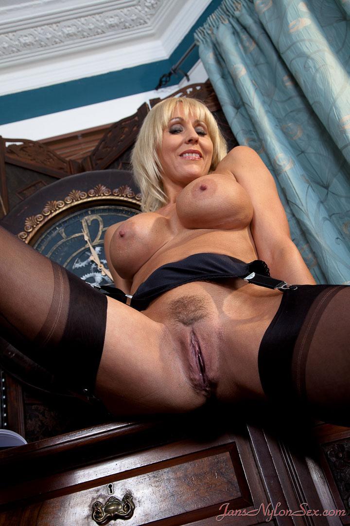 matured nylon stocking sex porn