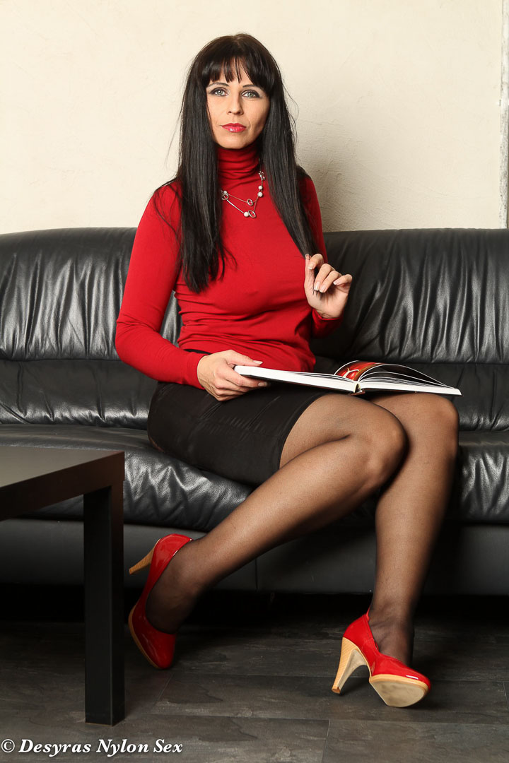 My My Mature English Sexy Secretary After Work 5